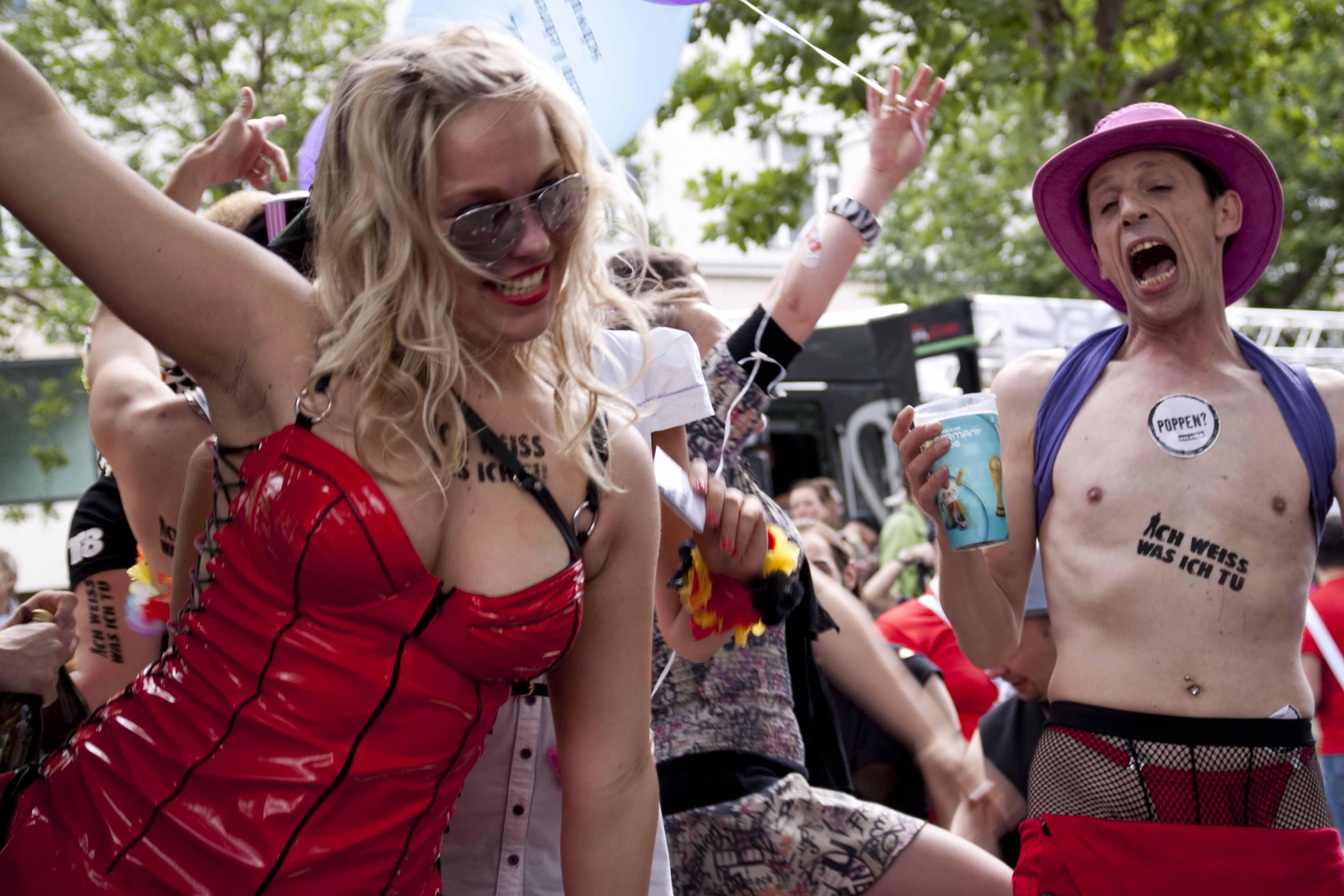 Lesbische Sex-Handschellen