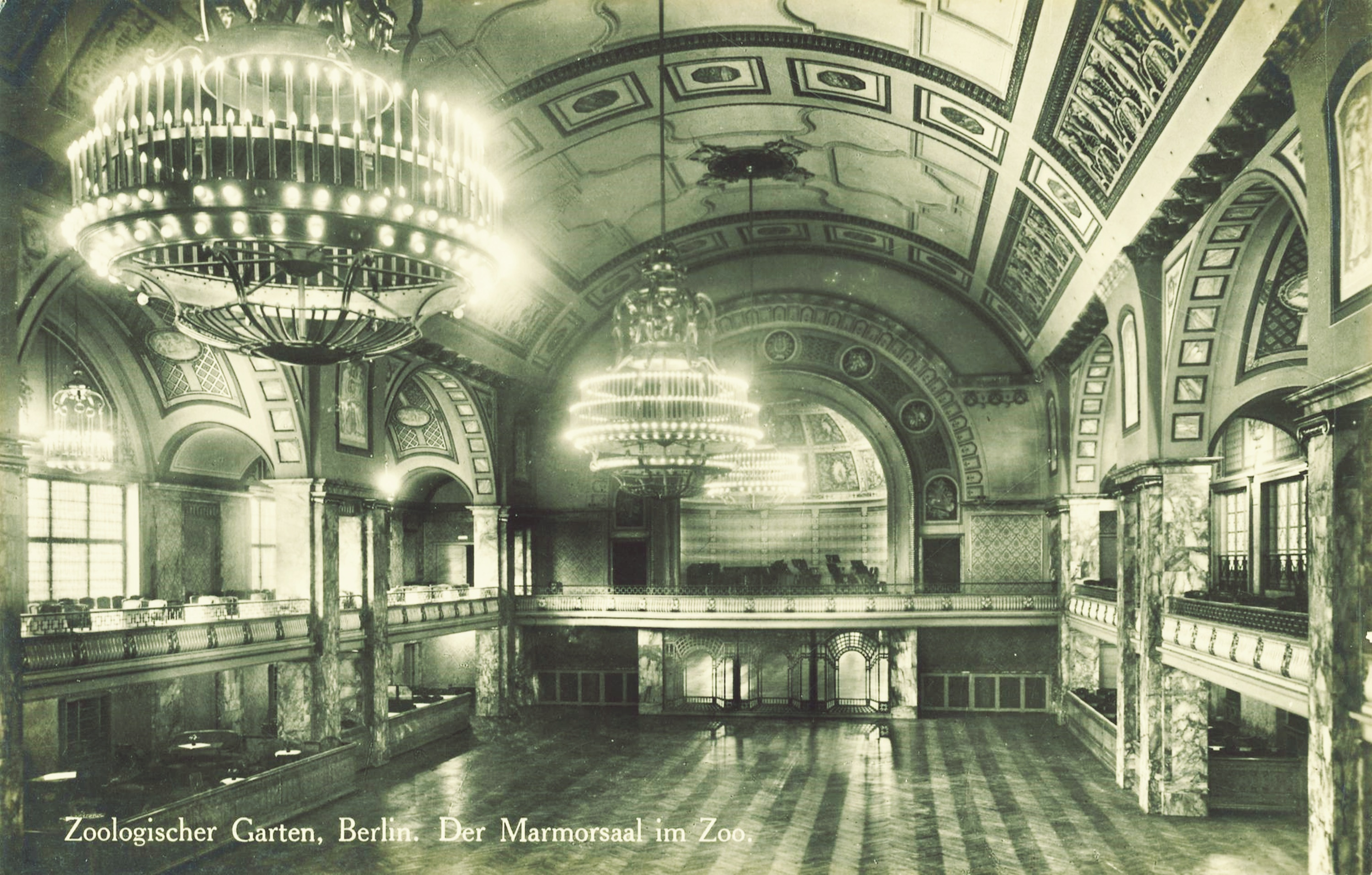 Tanzsaal um 1912, Foto: Archiv Great Ape Project