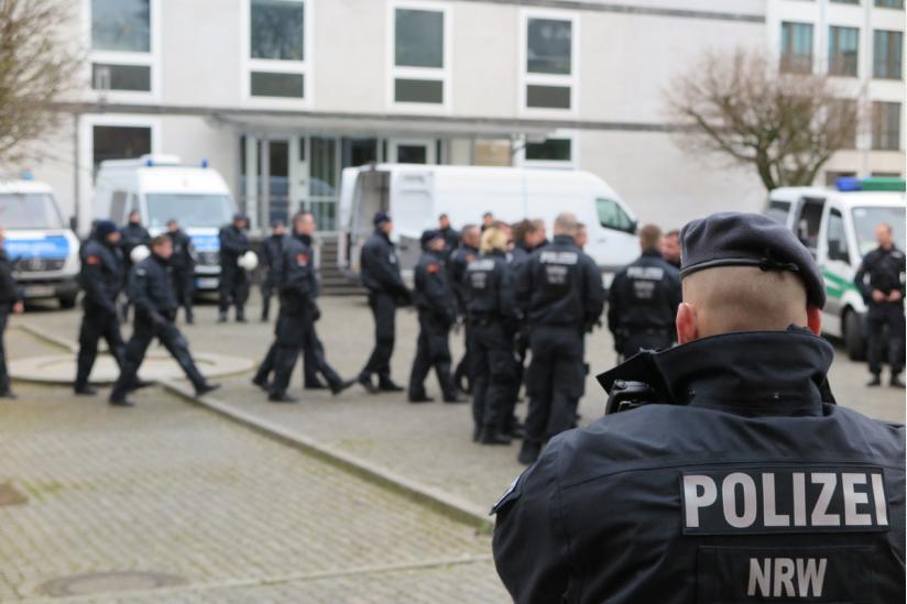 Polizei beim 1000 Kreuze Marsch Münster 2016