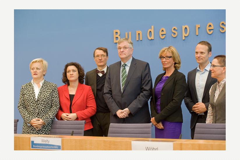 Gemeinsames Vorgehen der Gruppen Hintze/Dr. Reimann/Dr. Lauterbach und Künast/Dr. Sitte/Gehring beim Thema Suizidbeihilfe