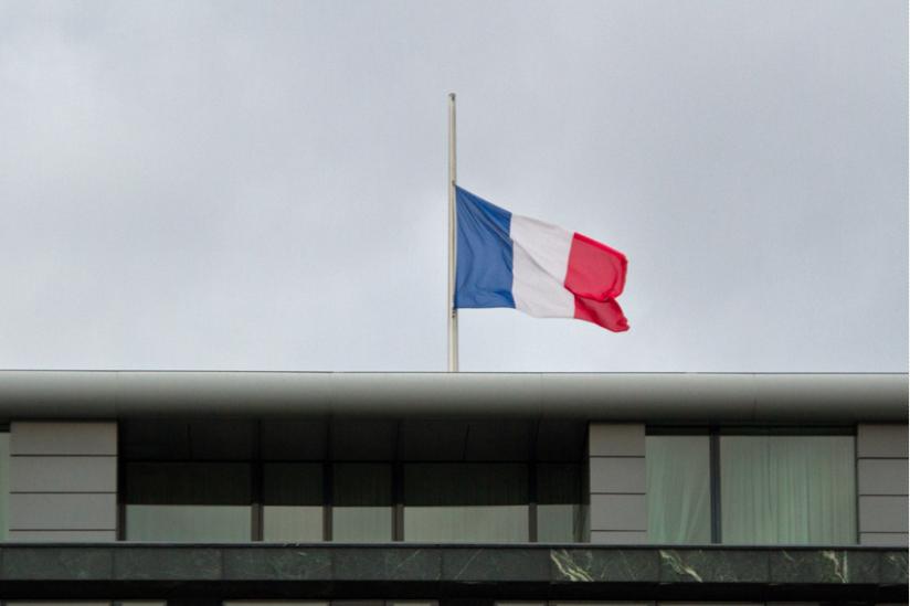Flagge auf Halbmast