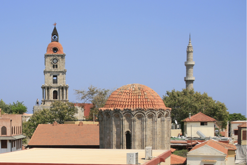 Kirche und Moschee