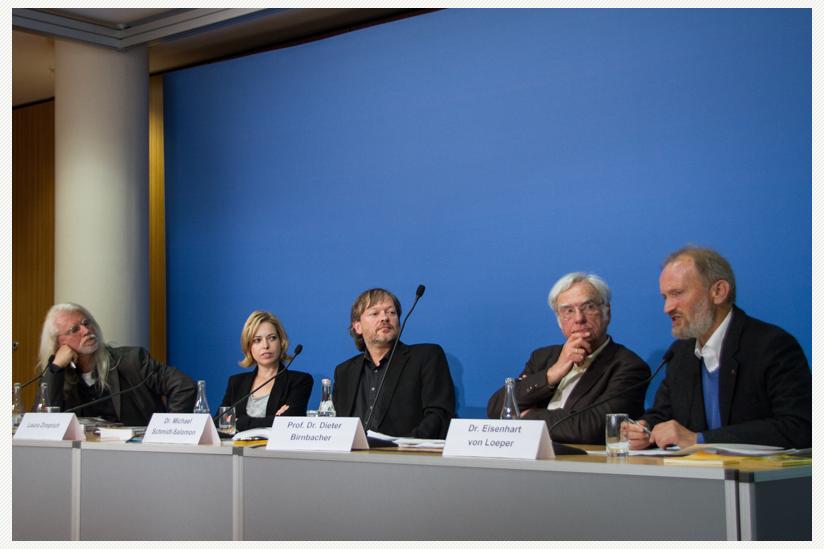 Dr. Colin Goldner, Laura Zimprich, Dr. Michael Schmidt-Salomon, Prof. Dr. Dieter Birnbacher, Dr. Eisenhart von Loeper (v.l.n.r.)