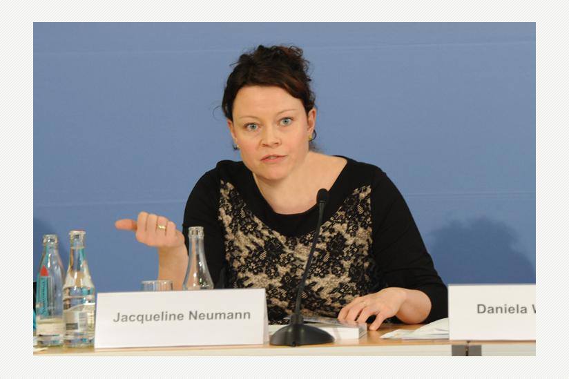 RA Jaqueline Neumann