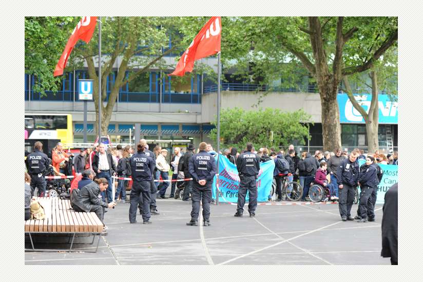 Protest vor der Urania
