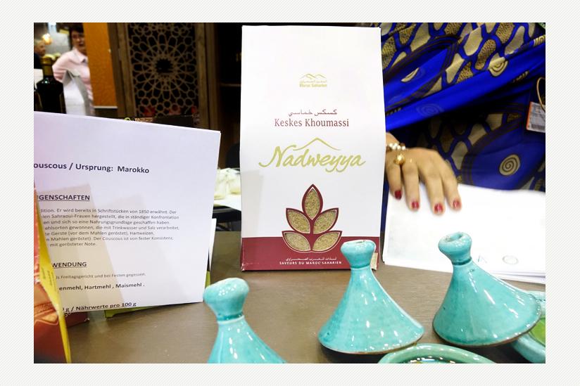 Cooperative Nadweyya, El Aaiún ou El-Ayoun bietet pasteurisierte Kamelmilch und Couscous an