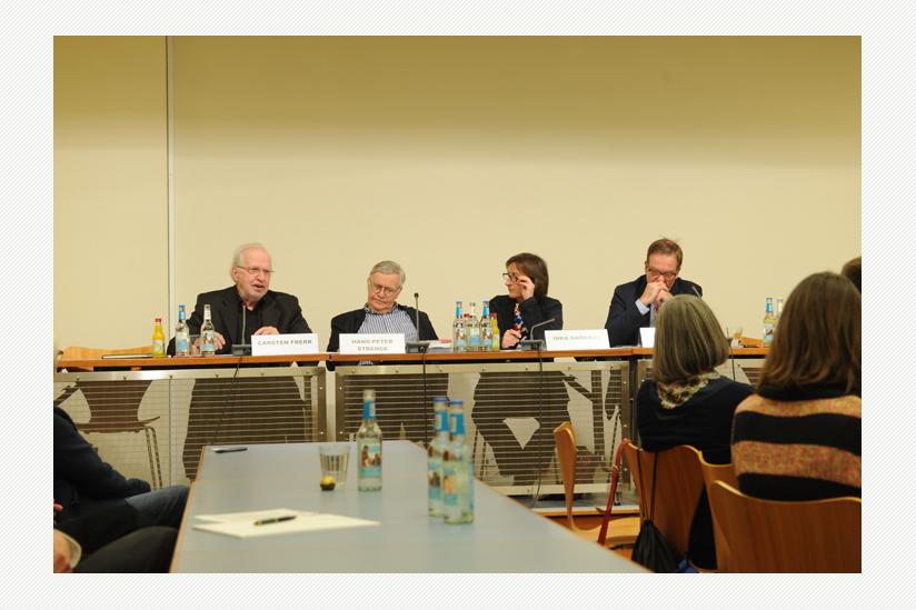 """""""Kirche und Geld - ein strittiges Thema"""" - Carsten Frerk, Hans Peter Strenge, Inka Damerau, Stephan Dreyer"""