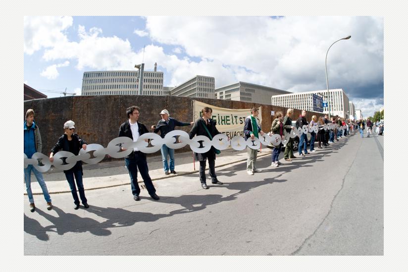 """""""BND an die Kette"""" - Aktion im September 2015"""