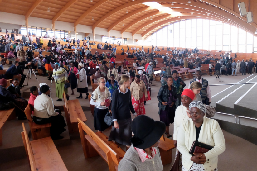 "Christliche Mission ""Kwasizabantu"" in einer Megachurch"