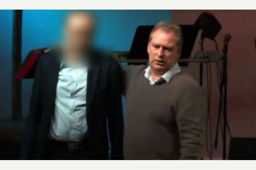 "Arne Elsen (r.) behauptet, er könne Homosexuelle ""heilen"""