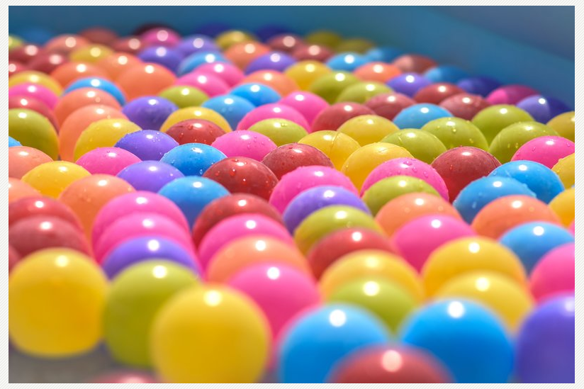 Bereits sechs Monate alte Babys können die Wahrscheinlichkeit abschätzen, mit sie einen Ball einer bestimmten Farbe erwarten.