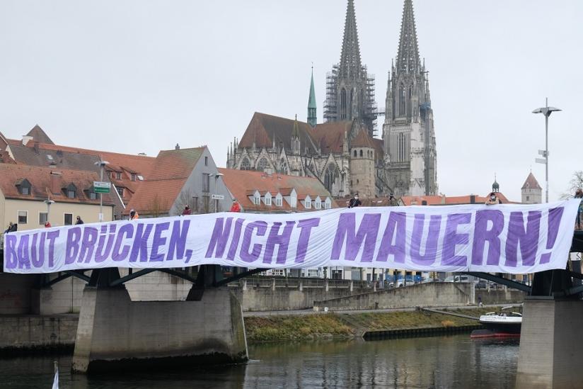 Banner-Aktion des bfg Regensburg