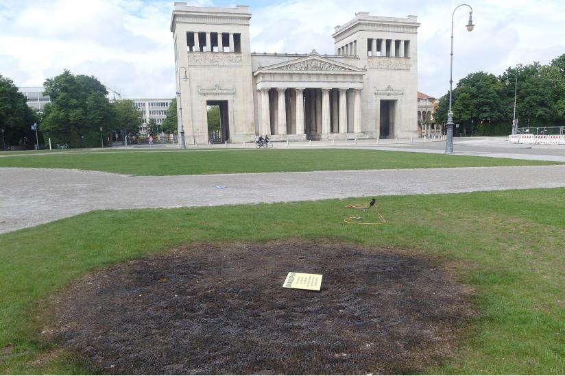Brandfleck auf dem Königsplatz