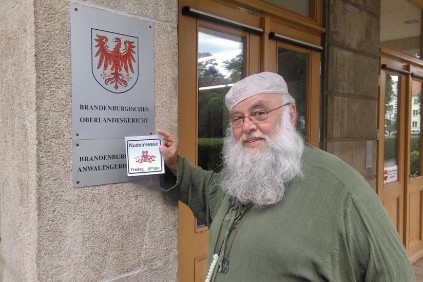 Rüdiger Weida (aka Bruder Spaghettus) am Gericht