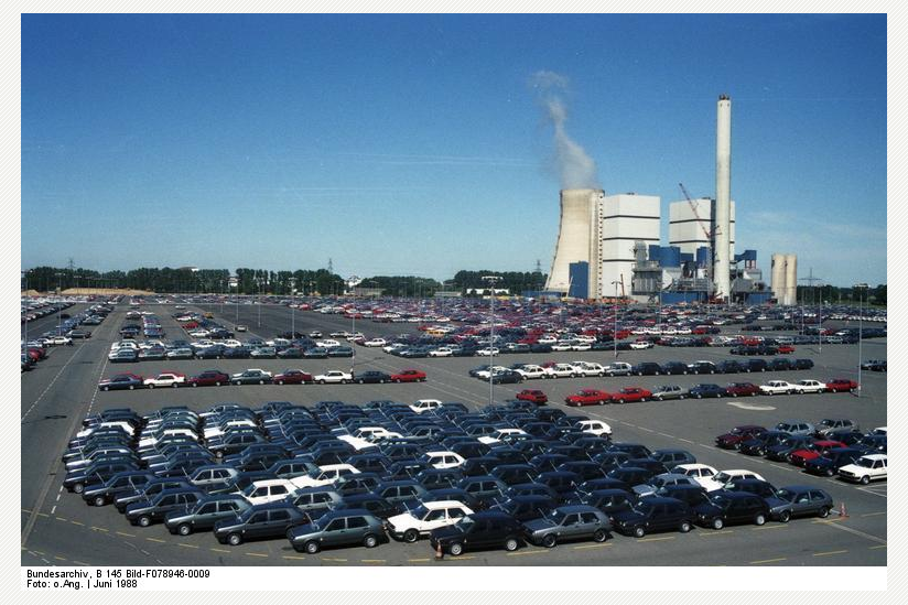 Wolfsburg, VW Autowerk, Parkplatz