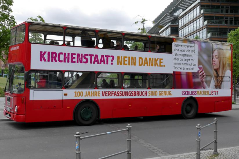 So stand der Bus zuerst am Rande des Potsdamer Platzes.