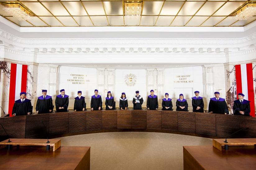 Richter bei der mündlichen Erkenntnisverkündung im Jahr 2013