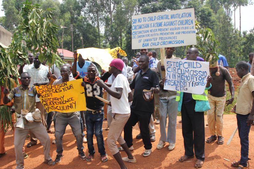 Demo gegen Beschneidung in Kenia