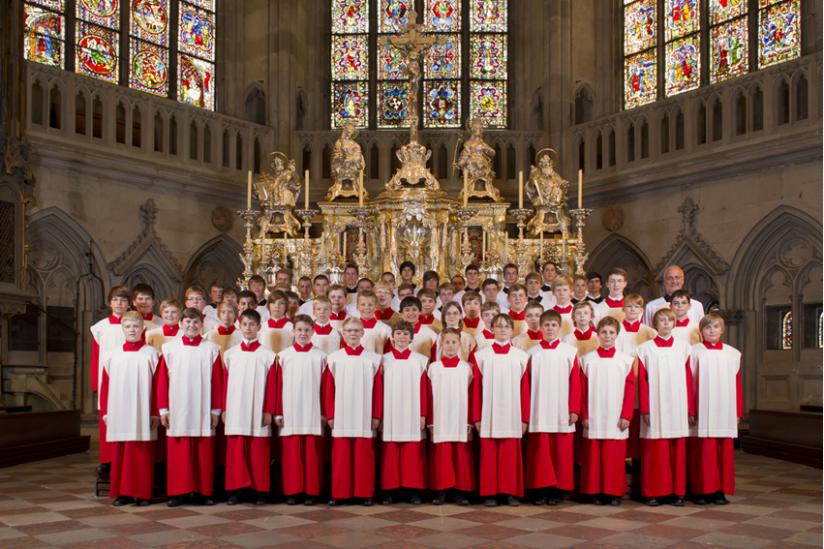 Die Regensburger Domspatzen gestalten jeden Sonntag im Dom St. Peter den Gottesdienst musikalisch.