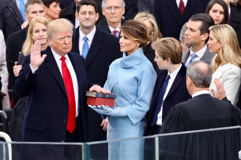Donald Trump beim Amtseid
