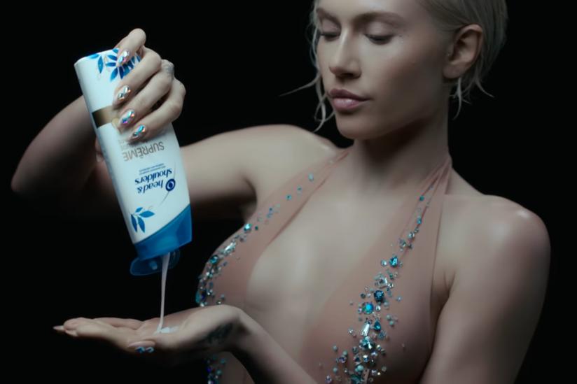 """Screenshot aus dem Musikvideo von """"El Diablo"""""""