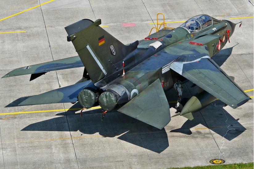 """Im Kriegsfall sollen deutsche Tornado-Piloten im Rahmen der NATO-Strategie der """"Nuklearen Teilhabe"""" Angriffe mit den US-Bomben fliegen."""