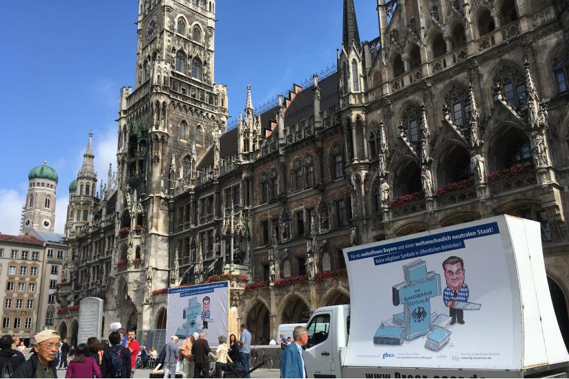 Säkulare Protestaktion vor dem Münchener Rathaus