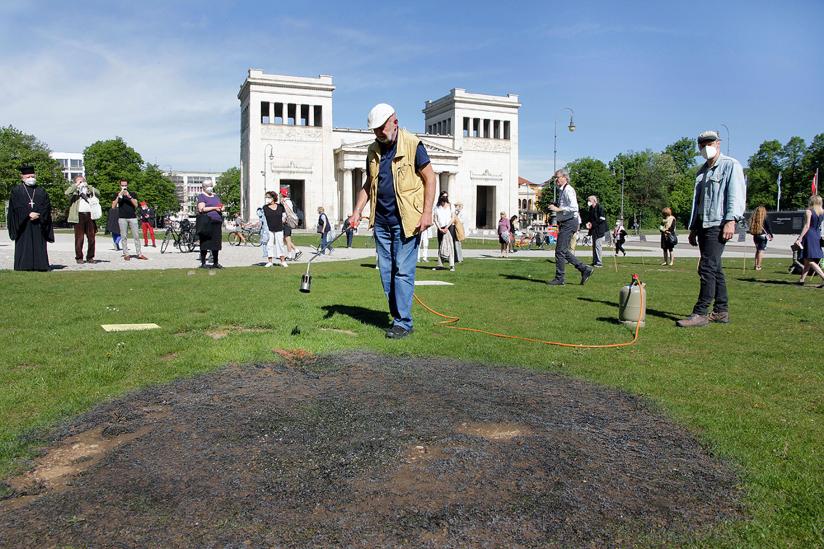 Wolfram Kastner zieht die mahnende Brandspur