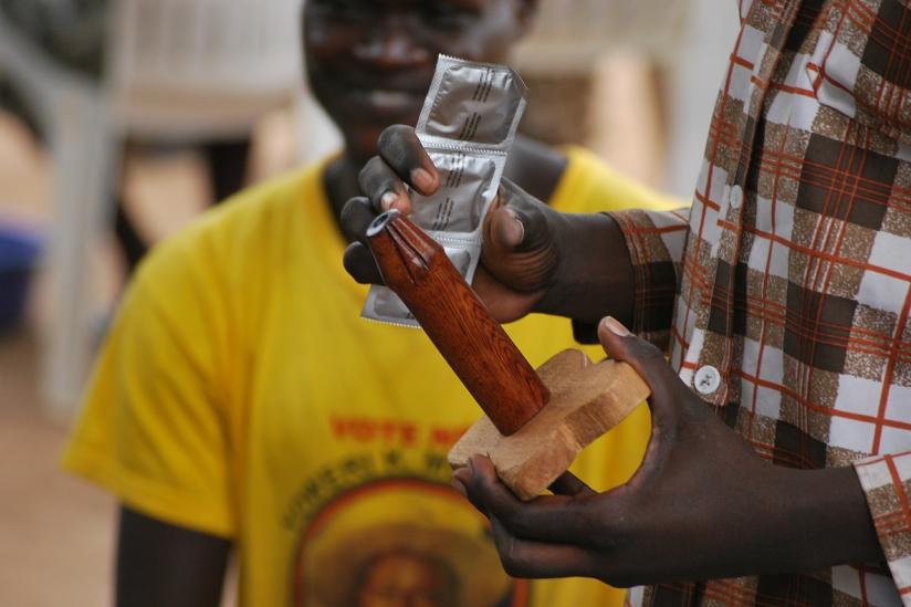 Die Anwendung von Kondomen