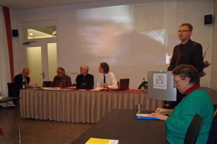 Sorin Antohi, Frieder Otto Wolf, Joachim Fischer, Stefan Lorenz Sorgner, Ralf Schöppner (stehend)