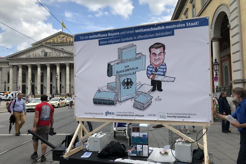 Protestaktion im Juni 2018, hier vor der Bayerischen Staatsoper