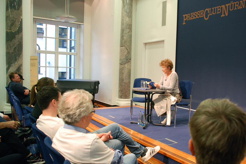 """Kristina Hänel liest aus ihrem Buch """"Das Politische ist persönlich"""""""