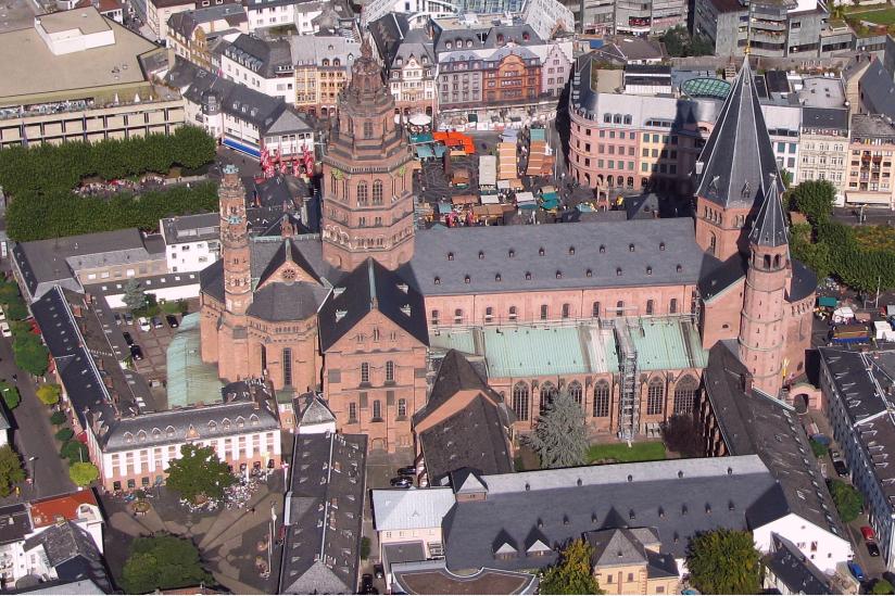 Im Mainzer Dom wurde die Wiedervereinigung gefeiert.