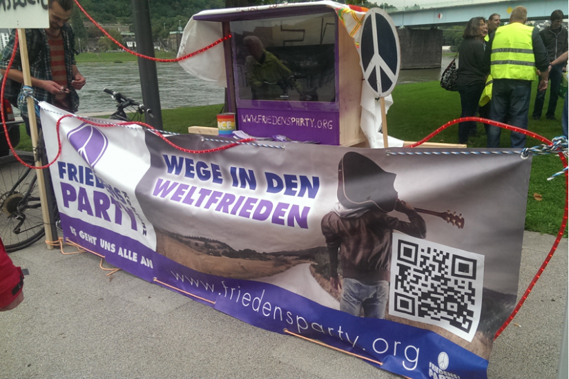 Banner der Friedensparty