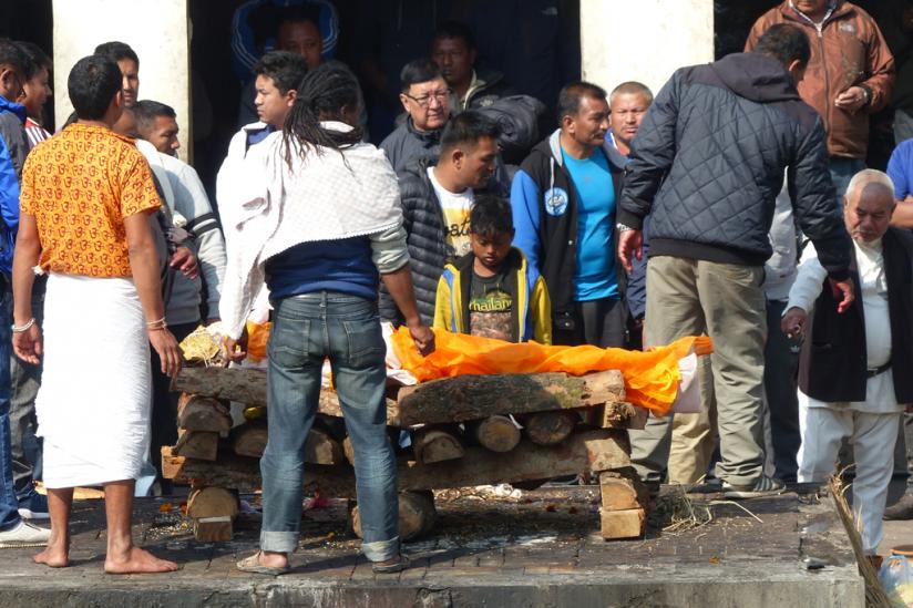 Öffentliche Totenverbrennung in Pashupatinath