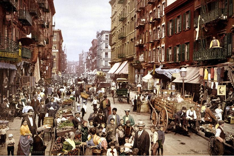 Die Mulberry Street im italienischen Stadtviertel von New York City um 1900