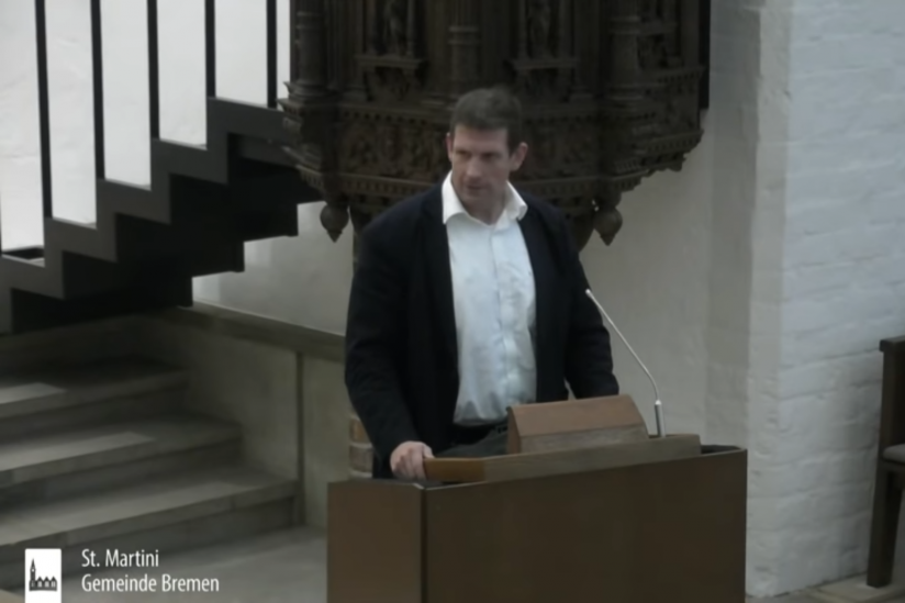 Olaf Latzel während einer Predigt am 13.11.2020