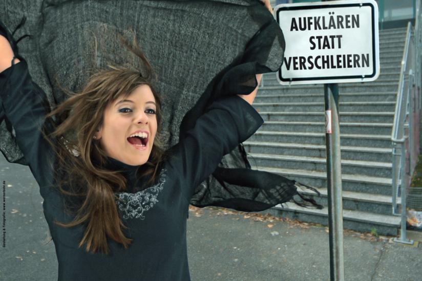 """Ausschnitt eines Plakates der Giordano-Bruno-Stiftung (gbs) zur Kampagne """"Aufklären statt Verschleiern""""."""
