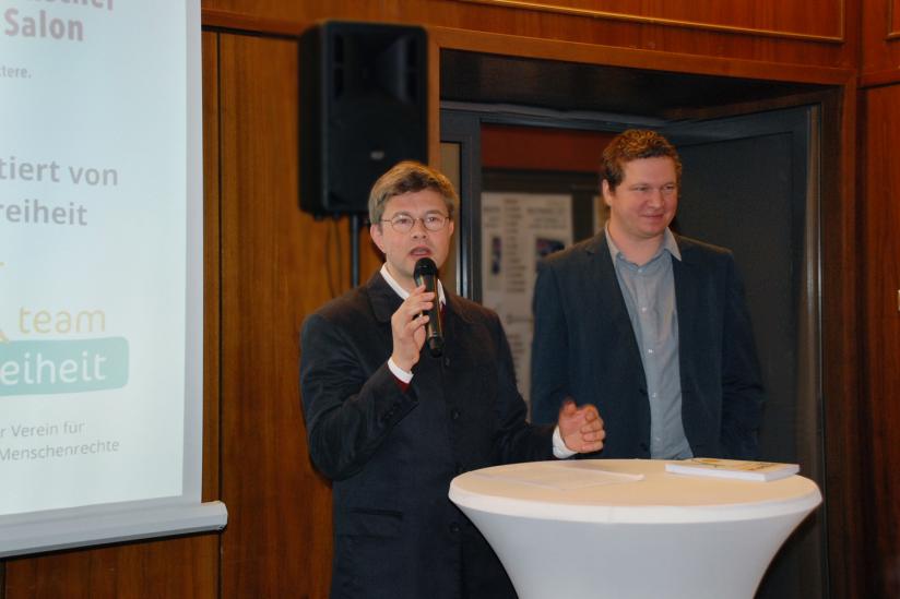 Helmut Fink stellt Anton Pototschnik vor.