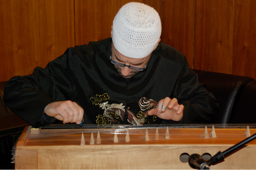 Claus Gebert am Monochord
