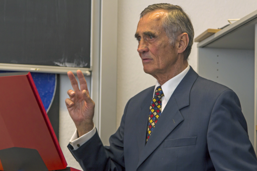 Prof. Bernd Schmidt