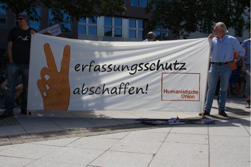 Die Humanistische Union auf der Demo für Pressefreiheit am 1.8.2015