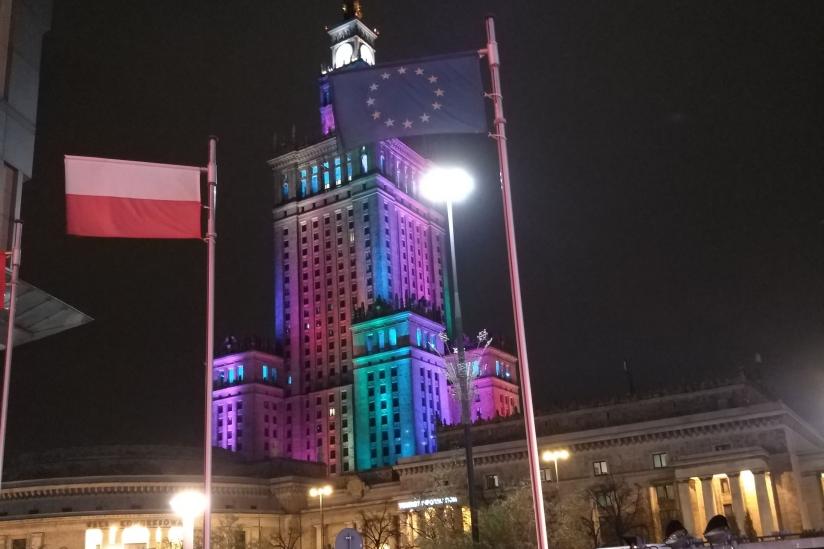 EU-Fahne in Warschau