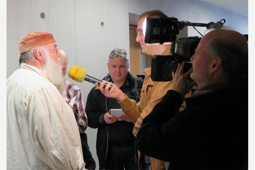 Rüdiger Weida mit Journalisten
