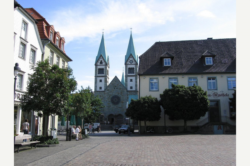 Marktplatz mit Wallfahrtsbasilika