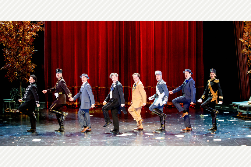 Sigrid Hauser (Njegus), Juan Carlos Falcón (Raoul de St. Brioche), Holger Ohlmann (Pritschitsch), Hans Gröning (Baron Mirko Zeta), Daniel Prohaska (Graf Danilo Danilowitsch), Frank Berg (Kromow), Liviu Holender (Vicomte Cascada), Maximilian Berling (Bogda