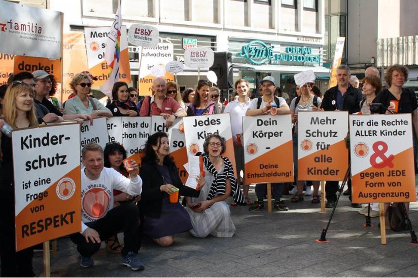 """Abschlusskundgebung des """"Worldwide Day of Genital Autonomy"""" in Köln am 07. Mai 2018"""