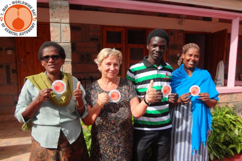 Maria Nareku (CAFGEM-Project Manager), Ulla Barreto (TABU INTERNATIONAL  e.V.), Owino Ken (Intact Kenya), Farhiya Abdulkadir (CAFGEM Activist).  (v.l.n.r.)