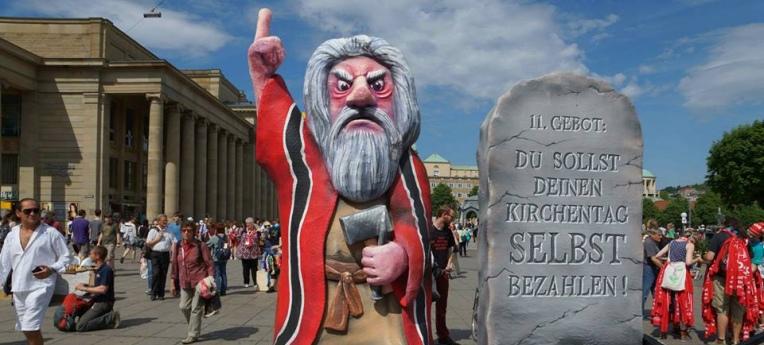 """""""11. Gebot"""" beim Kirchentag in Stuttgart 2015"""