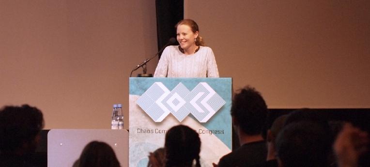 Sarah Harrison im Dezember 2013 beim CCC-Congress